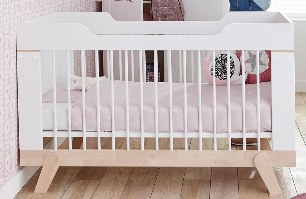 lifetime babybett f r jungen und f r m dchen bei shogazi m nchen. Black Bedroom Furniture Sets. Home Design Ideas