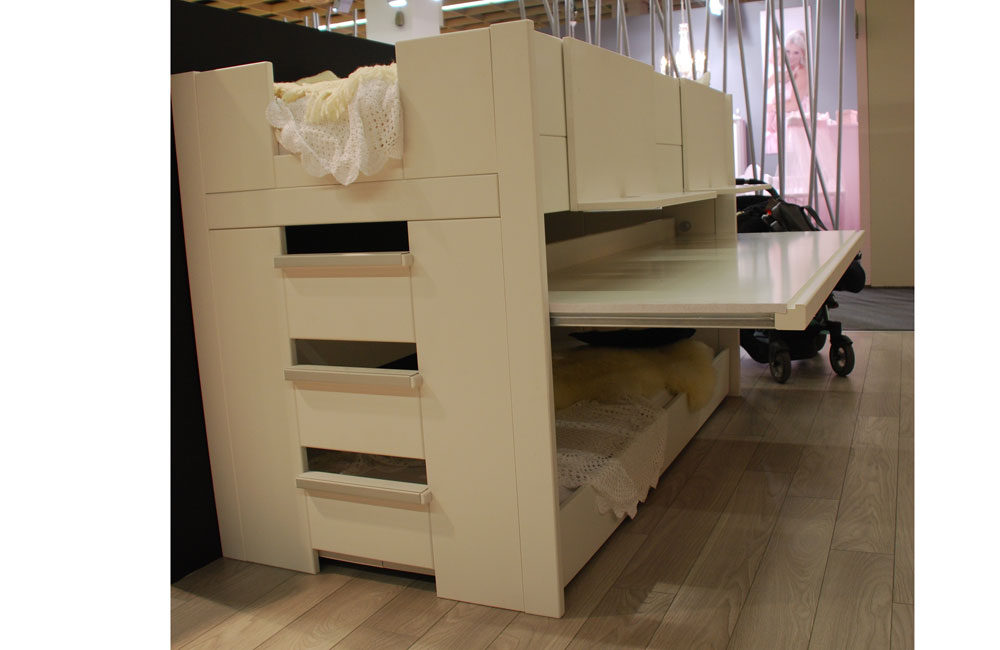 mit schrank und schreibtisch hochbett mit schreibtisch und. Black Bedroom Furniture Sets. Home Design Ideas