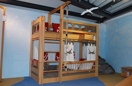Kinderbett schiff selber bauen  2003_Bett-Pirat-DeBreuyn.jpg